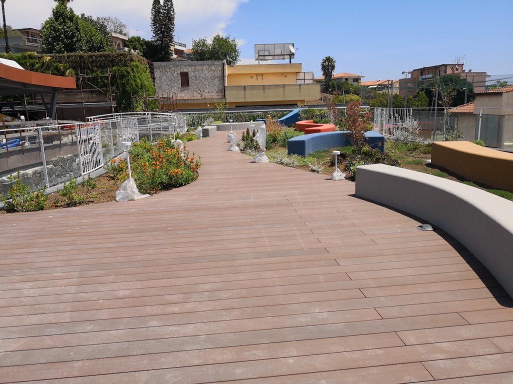Pavimenti per piscina in legno